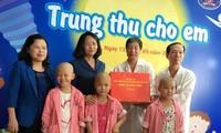 Vizestaatspräsidentin überreicht krebskranken Kindern Geschenke zum Mittherbstfest