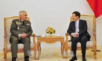 Vize-Premierminister Pham Binh Minh empfängt den Vorsitzenden des Militärausschusses der EU