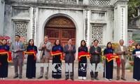 Inbetriebnahme des elektronischen Tour-Guides mit acht Sprachen im Literaturtempel in Hanoi