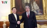 Vize-Premierminister Vuong Dinh Hue besucht Portugal