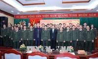 Leiter der Aufklärungsabteilung beglückwünscht Soldaten der Behörde für Cyber-Sicherheit zum Tet