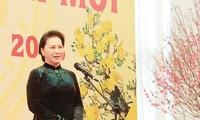 Parlamentspräsidentin beglückwünscht Leiter und Mitarbeiter des Parlamentsbüros zum Tetfest