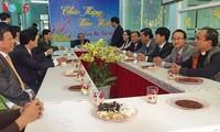 Premierminister Nguyen Xuan Phuc besucht Streitskräfte in  Da Nang