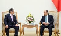 Premierminister Nguyen Xuan Phuc empfängt Südkoreas Präsident Moon Jae-in