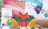 """Tag der vietnamesischen Bücher: """"Bücherregal für Integration in die Weltwirtschaft""""präsentiert"""