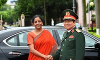 Verteidigungsminister Ngo Xuan Lich empfängt Delegation des indischen Verteidigungsministeriums