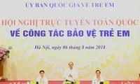 Premierminister Nguyen Xuan Phuc nimmt an der Konferenz über Kinderschutz teil