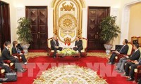 Vize-Premierminister Truong Hoa Binh empfängt Singapurs Vize-Premierminister