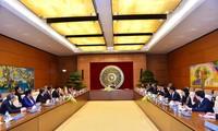 Parlamentspräsidentin Nguyen Thi Kim Ngan empfängt ASEAN-Ministerinnen