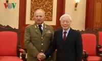 KPV-Generalsekretär, Staatspräsident Nguyen Phu Trong empfängt die kubanische militärische Delegation