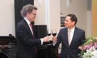 Feier zum 50. Jahrestag der Aufnahme der diplomatischen Beziehung zwischen Vietnam und Schweden