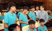 Vize-Premierminister Vu Duc Dam: sich auf die Entwicklung des professionellen jungen Fußballs konzentrieren
