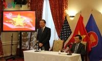Minister für öffentliche Sicherheit To Lam besucht die vietnamesische Botschaft in den USA