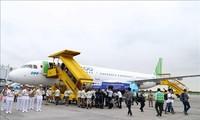 Premierminister Nguyen Xuan Phuc nimmt an der Einweihungszeremonie von drei Fluglinien in Hai Phong teil
