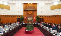 Premierminister Nguyen Xuan Phuc führt Gespräch mit dem nepalesischen Ministerpräsident Prasad Sharma Oli