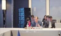 Vietnam nimmt an der ASEAN+3- und EAS-Konferenz in Thailand teil