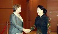 응우옌 티 김 응언 국회의장,주베트남 UNICEF 수석 대표 회견