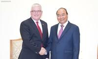 응우옌 쑤언 푹 총리,  호주 대사 접견