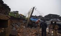 인도 서부 폭우로 수십명 사망