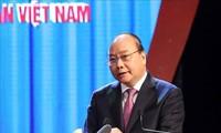 응우옌 쑤언 푹 총리: 노동조합 활동, 지속적으로 개혁해 나갈 것