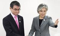 일본 – 한국 외무장관 회담, 긴장 완화 성과 없어