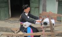 របរតម្បាញប្រពៃណីរបស់ជនជាតិ Cao Lan នៅ Khe Nghe