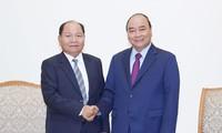 នាយករដ្ឋមន្ត្រីវៀតណាមលោក Nguyen Xuan Phuc អញ្ជើញទទួលជួបជាមួយរដ្ឋមន្ត្រីក្រសួងមហាផ្ទៃឡាវ