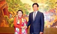 ប្រធានរដ្ឋសភាវៀតណាមលោកស្រី Nguyen Thi Kim Ngan អញ្ជើញជួបចរចាជាមួយប្រធានសភាតំណាងប្រជាជនទូទាំងប្រទេសចិនលោក Li Zhanshu