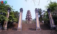 វត្ត Thien Mu ដ៏សក្តិសិទ្ធនៅលើមាត់ទន្លេ Huong ទីក្រុង Hue