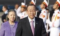 លោក Ban Ki-moon និងលោកជំទាវអញ្ជើញមកបំពេញទស្សនកិច្ចនៅវៀតណាម