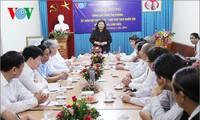 越南国会副主席丛氏放探望本台驻西北地区记者站