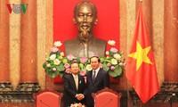 越南国家主席陈大光会见日本关西经济联合会代表团