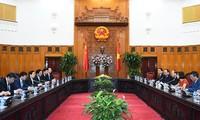 阮春福会见中国公安部长郭声琨和印度尼西亚国家警察副总长夏弗汀
