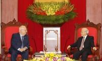 越共中央总书记阮富仲会见以色列总统瑞夫林