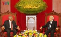 阮富仲会见斯里兰卡总理维克拉马辛哈