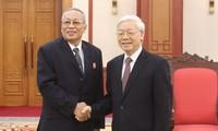 越共中央总书记阮富仲会见柬埔寨人民党中央检查委员会代表团