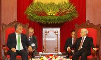 越共中央总书记阮富仲会见匈牙利总理欧尔班