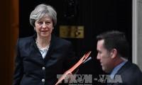 英国脱欧:英国和欧委会同意推进谈判