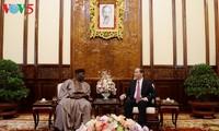 陈大光会见前来递交国书的尼日利亚、希腊和美国新任驻越大使