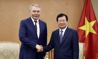 推动越俄经济发展合作
