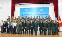 越南参加联合国维和行动:2018年重型工兵装备操作训练班开班