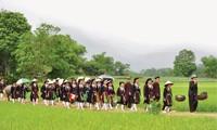 太原省山由族婚俗中最重要的仪式之一——迎接新娘仪式