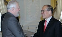 NA Chairman Nguyen Sinh Hung meets acting governor of St Petersburg