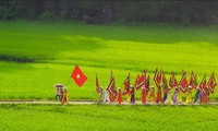 The procession ritual of Thai Vi Temple Festival