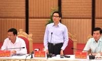 Deputy PM Vu Duc Dam works in Quang Ninh