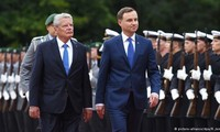 Migration tops agenda of talks between German and Polish leaders