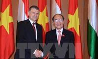 Vietnam, Hungary seek stronger parliamentary ties