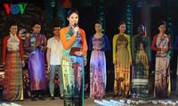 Ao Dai festival celebrates Int'l Women's Day at Temple of Literature