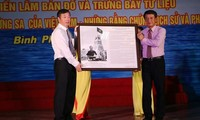 "Exhibition on ""Vietnam's Hoang Sa and Truong Sa: Historical and legal evidence"" opens in Binh Phuoc"