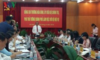 Deputy PM Truong Hoa Binh works with Ministry of Home Affairs